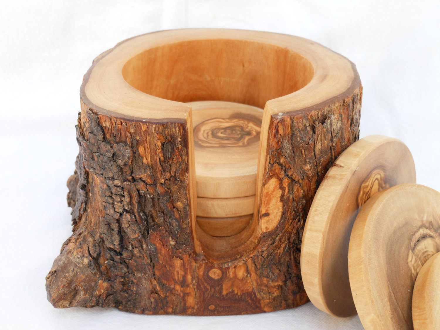Rustic Wooden Coasters That Should Be Mine